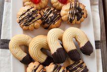 Biscotti e dolcetti / by patrizia longo