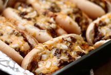 Eat: Hot Diggity Dog Diggity / by Angela Sapp
