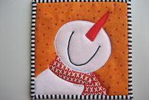 Mug Rugs, Coasters and Placemats / by Sylvia