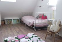 Girls' room