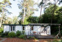 Rust, ruimte en roodborstjes / Te huur voor rustzoekers en natuurliefhebbers. Sfeervolle plek in het bos met twee bij elkaar horende chalets met privé sauna. De locatie ligt een een doodlopende weg in het buitengebied van Emst op de Veluwe en grenst aan de uitgestrekte Kroondomeinen. https://www.facebook.com/pages/Rust-ruimte-en-roodborstjes/1456485427987255?ref=hl