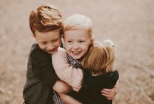 Family Portraits / Inspiration for a meaningful lifestyle family photoshoots that emphasizes authentic connection and beautiful imagery.