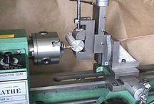 Lathe milling attachment