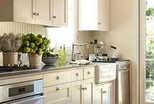 Kitchen / by Joan Mosel