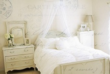 Bedrooms / by Sharelle Wormald