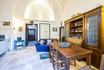 La casa della Felicitudine / La casa della Felicititudine é la dimora ideale per trascorrere le vacanze nella Barocca Lecce alla scoperta della cultura e delle tradizioni del salento.