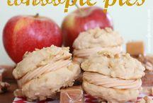 Whoopie Pies / by deb akemon