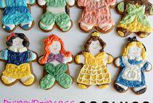 Cookies / by Monica Martinez Torroella