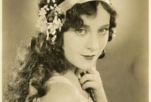 People: Berba Dame ' Doamnelor Vintage  /  Vintage Lovelies / by Michelle Wood-Capolino