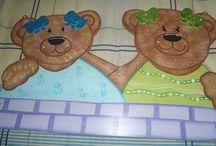 decoracion de habitaciones para niños  / objetos pintados a mano para la decoracion  de los espacios de niños y niñas