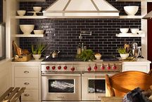Kitchens I Love / by Lisa Wiegand