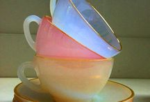 Tea cups and glassware / Vintage cups and glassware so elegant.