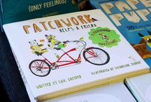 Patchwork Helps a Friend / This sweetly illustrated tale of friendship about a patchwork bear and his threadbare pal that celebrates what friends can accomplish when they work together is perfect for fans of Laura Vaccaro Seeger's Dog and Bear.