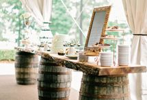 Shabby Chic Wedding / Shabby Chic weddings are such a huge trend right now. Check out our board for some of our favorite shabby chic decor!