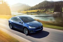 Tesla Model X / Tesla Model X - The SUV with the falcon wing doors