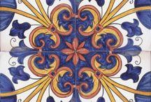 Piastrella maiolica