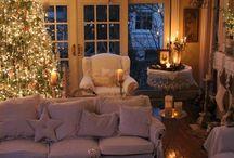 Christmas Inspiration / Noël nous inspire ! / Certes, l'Hiver il fait froid et on superpose pulls et manteaux pour résister…   Mais l'Hiver, c'est surtout la période de Noël, des cadeaux, des petits chocolats, des guirlandes scintillantes et des repas bien au chaud au coin du feu !   Et nous, Noël, ça nous inspire ! La preuve en images :