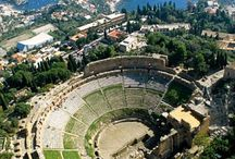 Taormina / One of Sicily's most popular summer destinations, Taormina is a real Sicilian jewel