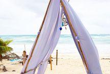 Barefoot kingdoms / Beach life