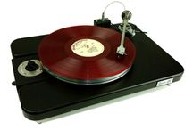 VPI Turntables / VPI Industries is a high-end audio manufacturer that was started by Sheila and Harry Weisfeld, founded thirty-two years ago.