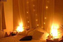 curtain bhind bed