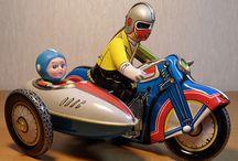 Vintage Toys / by Claudia Ribeiro