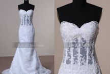 Wedding dresses / by Ali Teats