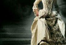 Sukienki historyczne