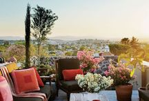 Zahrady a balkóny
