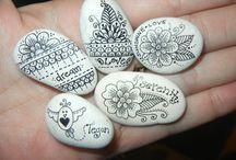 ζωγραφικη σε πετρα/ doodles