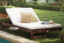 Outdoor Furniture / by Greta Fryman