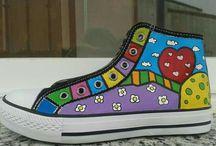 Zapatillas pintadas by Mabel Blasco
