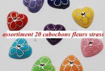 http://www.alittlemercerie.com/pendentif-cabochons/fr_20_cabochons_acrylique_coeur_fleur_strass_1_2_cm_accessoire_creation_bijoux_-4512005.html