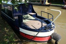 Cruiser Style Narrowboats / These types of sterns offer a large expanse of external space, ideal for recreational cruising. An ideal holiday boat, a back deck of between 4-8 Feet in length, providing ample space on the back for several people to stand and socialise.
