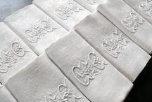antik monogramos textil