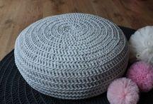 Ręcznie robione dywany bawełniane, dziegane pufy / Ręcznie robione pufy, dywany, poduszki na drutach. Solidne wykonanie, ze 100% bawełnianego sznurka  http://bogatewnetrza.pl/pl/n/Dekoracje-do-domu-z-bawelnianego-sznurka%2C-dziergane-pufy%2C-dywany/10