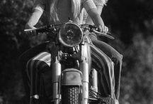 Vintage MissBikers / Old photo of great women on motorcycles