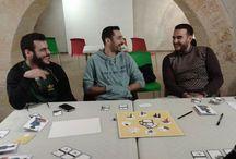 newmesPeople / I ragazzi che si divertono giocando a newmes #newmesPeople #boardgame #game #lateralthinking