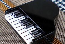 和装小物 帯留め / 帯留め いろいろです。 楽器や音符・マリンなど