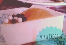 Tartas y bizcochos /  (Del fr. tarte).  1. f. Pastel grande, de forma generalmente redonda, relleno de frutas, crema, etc., o bien de bizcocho, pasta de almendra y otras clases de masa homogénea.
