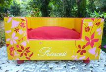 Minhas pinturas:camas para pet / caminhas para cães pintadas à mão livre, acrílico sobre madeira