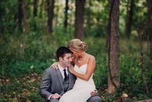 Weddings //Bride and Groom Sitting