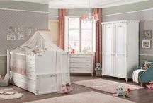 Serie Romantic: Cuna Romantic Baby / Habitación de bebe. Puede ser complementada con muebles de la serie Romantic de Cilekspain, dormitorios temáticos.