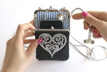 Bling bags, pouches & purses