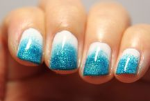 Cute Finger Nail Ideas / by Catherine Drummond