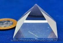 Piramide de cristal