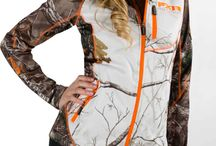 Love me some camo and country!! / by Amanda Carlton
