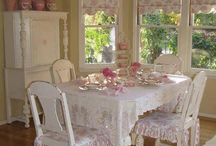 Windows and Window Dressings / How pretty!