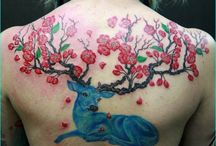 Inspiring Deer Tattoo Designs / Tattooing animals and mythical creatures is not something new rather it is an art being followed by our ancestors from the ages well back to 5000 BCE. Siberian princess was recognized as an individual with more than 30 tattoos on her skin that lived around 2500 years ago. Tattooing of wild deer has been around since the beginning of the Neolithic era. Inca, Maya and other Pagan cultures believed that the movement of the heavenly bodies can be attributed to the power of the horned gods.