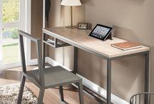 Mesas y escritorios en madera
